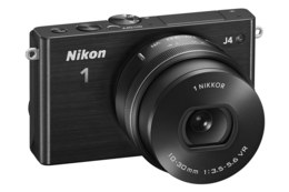 Nikon 1 J4 m/10-30mm VR PD-Zoom Sort